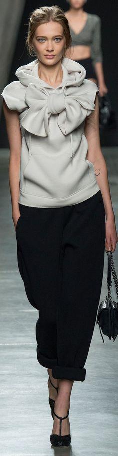 5b47a1f2c84 Также будут в моде прозрачные блузы из шифона и разных других тонких  прозрачных тканей.