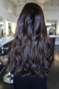 Яркая брюнетка Актуальный цвет волос 2018: окрашивание, цвета, техника, фото