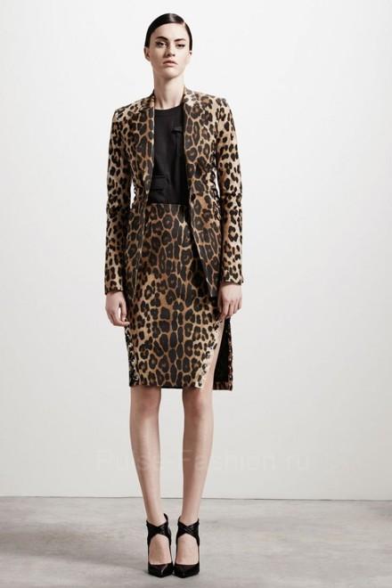 В этом сезоне станут леопардовые юбки