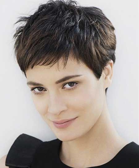Короткая и стильная стрижка для коротких волос фото