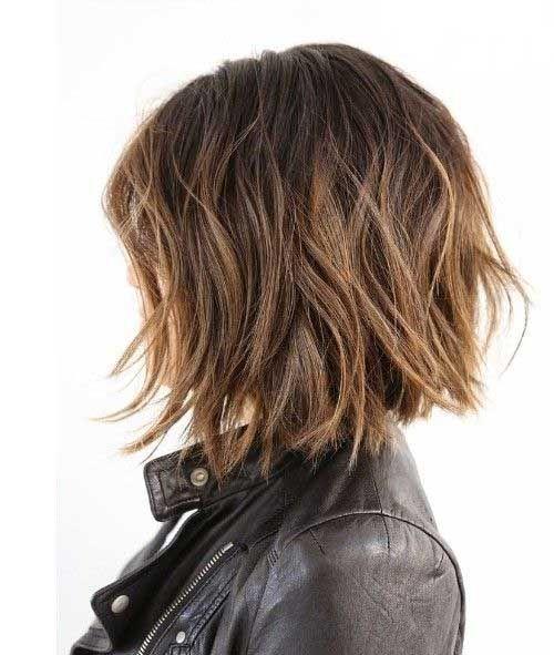 Стильная и модная прическа  для коротких волос фото
