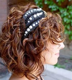 Стрижки и причёски для вьющихся,  с подвязкой