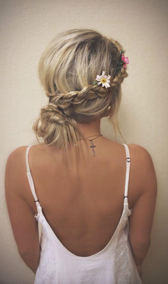 Прическа с косичками и с цветами фото