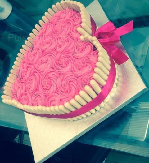 Торт в форме сердца как украсить