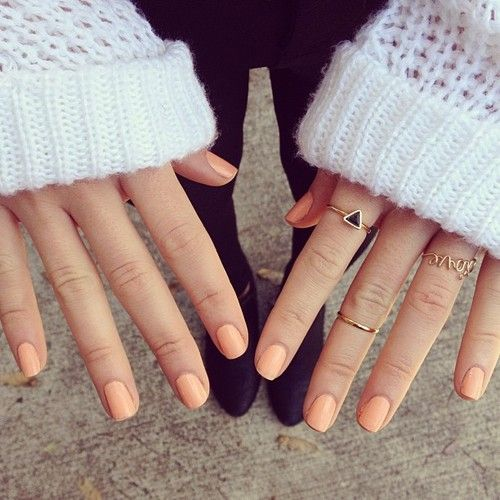 короткие ногти 2018