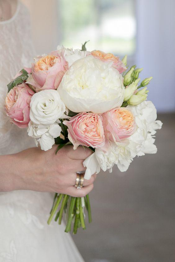 свадебный букет из пионов