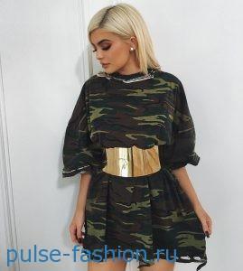 Модные платья в стиле милитари весна-лето 2019