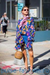 Яркие цветные и модные летние платья 2017