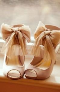 Кремовые Туфли с бантами фото