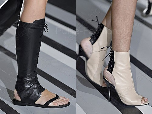 Модные и стильные сапоги от бренда Victoria Backham сезон лето 2018