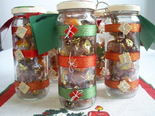смачный набор из конфет в прекрасной упаковке на новый год