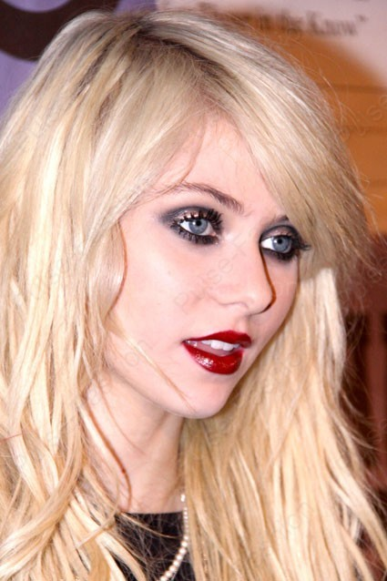 Вечерний мейкап глаз для блондинок